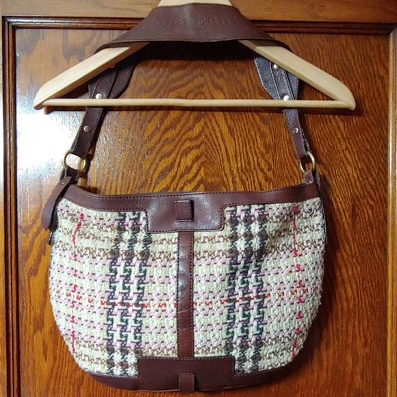 Burberry Handbags - Burberry hobo bag (vintage)